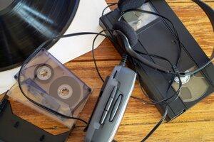 Walkman spustil revolúciu v tom, že hudbu ste mohli počúvať na ulici.