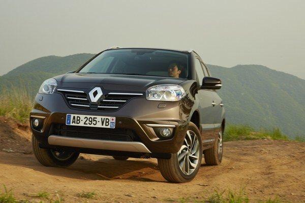 Renault Koleos je na trhu od roku 2008. Automobilka vyvíja vozidlo spoločne s japonským Nissanom a v Ázii predáva ako Renault Samsung QM5. Výraznejším faceliftom prešiel automobil v roku 2011.