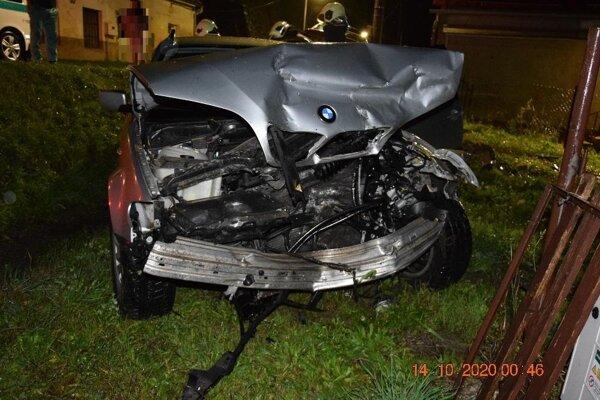 Mladý vodič sadol za volant pod vplyvom alkoholu a nezvládol to.