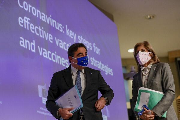 Eurokomisárka pre zdravie a bezpečnosť potravín Stella Kyriakidisová a eurokomisár pre európsky spôsob života Margaritis Schinas.