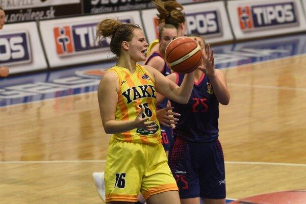 Hráčka Young Angels Košice Kamila Plavnická zaznamenala v stretnutí s Banskou Bystricou 14 bodov.