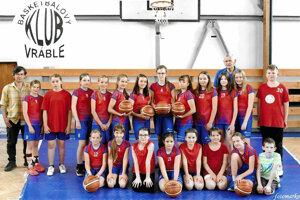 Mladé basketbalové talenty z Vrábeľ.