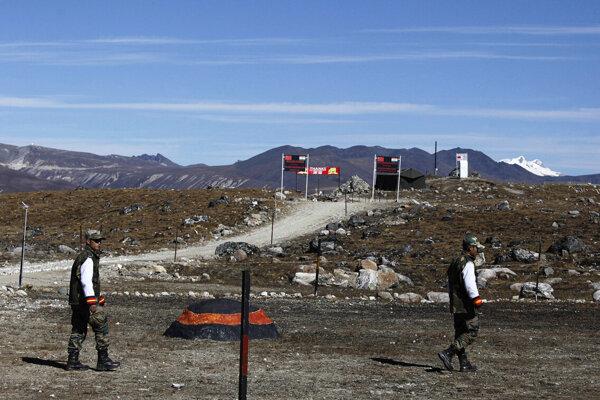 Indickí vojaci na hranici s Čínou.