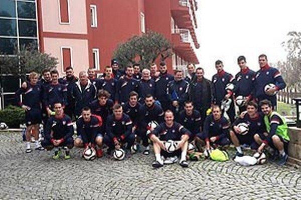 Futbalisti FC ViOn Zlaté Moravce prvýkrát v histórii klubu odcestovali na sústredenie za teplom. V Turecku strávia až štrnásť dní.