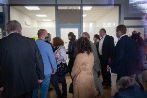 Testovanie poslancov NR SR v nemocnici Sv. Michala.