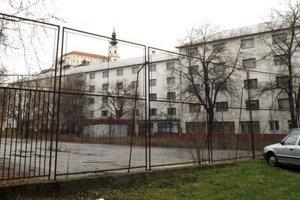 Internát Pribina na Jesenského ulici. Pohľad od Ulice Janka Kráľa.