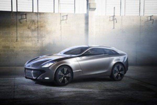 Štýl prednej masky s kontúrami Aston Martin sa dnes nosí. Zvolí Hyundai v budúcnosti jednoduchšie tvary svojich áut?