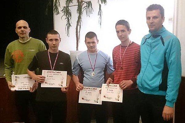 Najlepší v každej kategórii si odniesli diplomy a medaily.