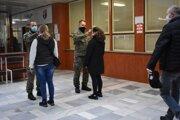 S meraním teploty v nemocnici pomáhajú vojaci
