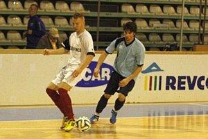 Druhý hrací deň otvoril zápas Výčapy-Opatovce - Čechynce (2:1).
