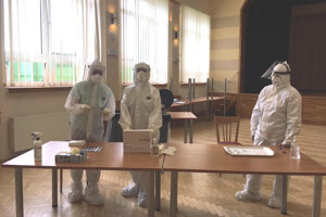 Testovanie v kultúrnom dome v Novom Tekove.
