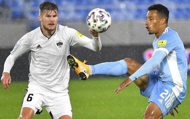 Víťazný gól strelil Alen Mustafič (vľavo), ktorý v FC Nitra hosťuje práve zo Slovana Bratislava.