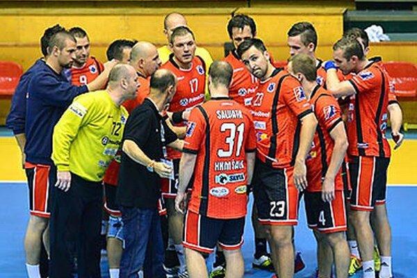 Zverenci trénera Kelemena zvládli náročný zápas s tabuľkovým susedom na jednotku.