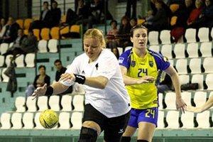 Nestarnúca Miriam Šimáková prispela k víťazstvu žien UDHK siedmimi gólmi.