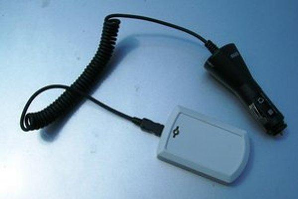 Rušička GPS, ktorú používal vodič ukradnutého auta.