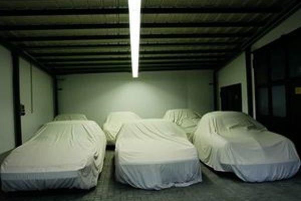 Porsche ukrýva na tajnom mieste viac ako 500 vozidiel.