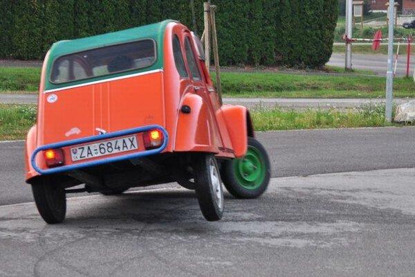 Populárne kačice Citroën 2CV lietajú dodnes