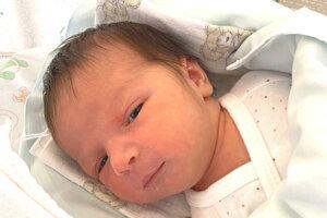 Karolína Kiss (3550 g a 51 cm) sa narodila 1. októbra o 11. hodine. Doma sa na sestričku tešil brat Konor.