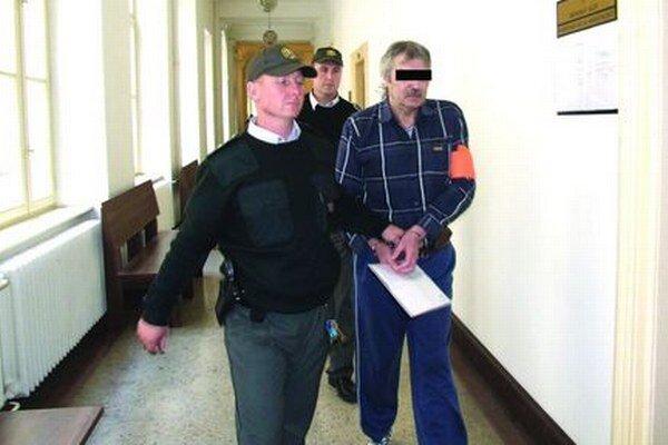 Gašpar K. na Krajskom súde v Nitre.