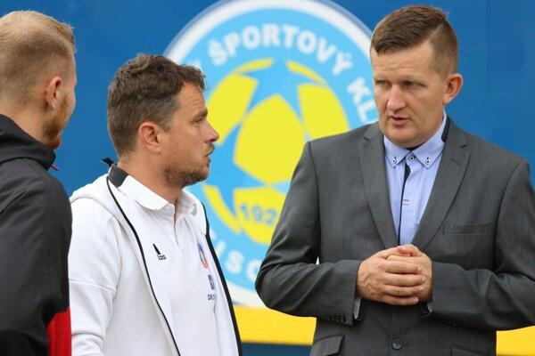 Peter Rukavica (vpravo).