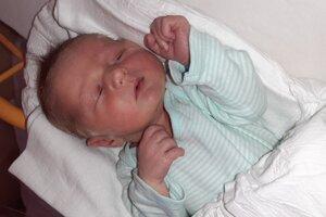 Oliver Dolnák (3250 g, 49 cm) sa narodil 22. októbra Simone a Mariánovi z Bziniec pod Javorinou.