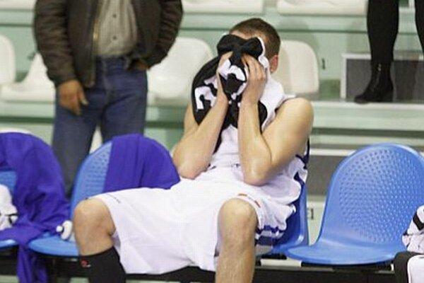 Nitrania boli blízko k prvému víťazstvu. Po zápase zavládol v domácom tábore smútok. Na snímke Roman Vido.