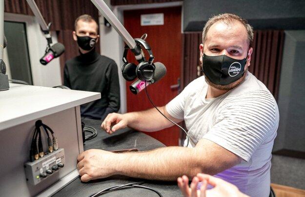 Vedúci rádia Andrej Brník a programový riaditeľ rádia Aetter Miroslav Kapec.