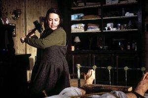 Kathy Bates dostala za úlohu sadistickej fanúšičky Annie Wilkesovej Oscara.