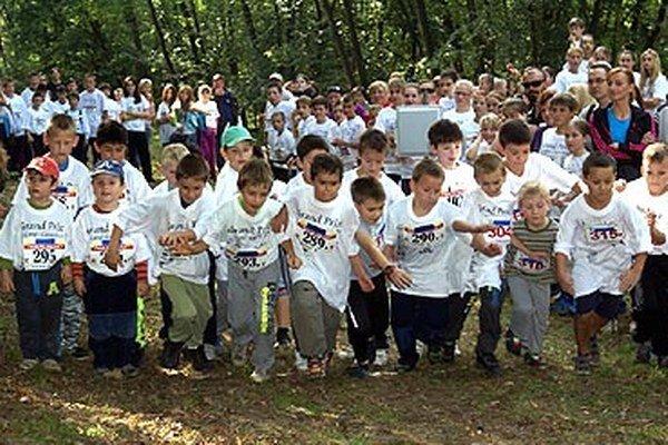 Do pretekov sa zapojilo aj veľa žiakov.