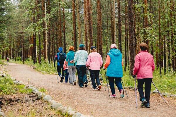 Viacero turistických chodníkov s  rôznou dĺžkou a  náročnosťou sa nachádza priamo v Bardejovských kúpeľoch.