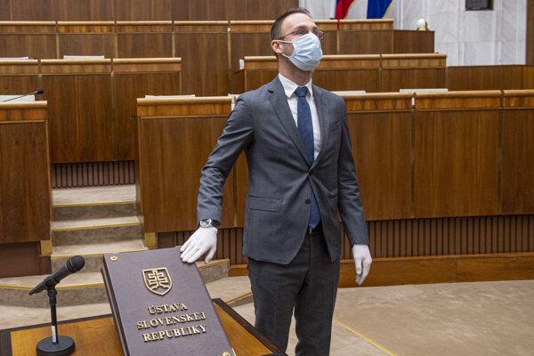 Poslanec za stranu Za ľudí Tomáš Lehotský.