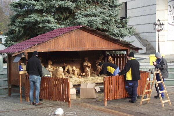 Betlehem inštalovali na Svätoplukovom námestí 30. novembra.