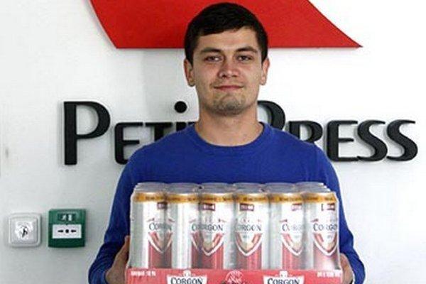 Kartón piva Corgoň si z redakcie odniesol Tadeáš Mikle, prišiel namiesto brata Samuela, ktorý sa stal víťazom 7. kola.