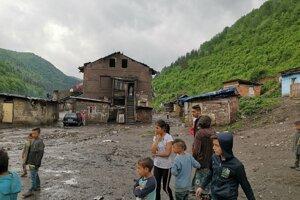 Na Zabijanci žije zhruba 500 ľudí. Sú bez elektriny.