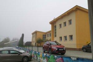 Základná škola v Bystranoch je v karanténe a zatvorená.