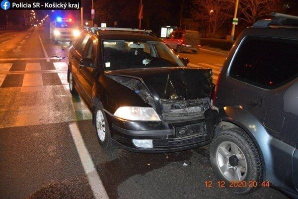Muž spôsobil nehodu pred vjazdom na križovatku Watsonovej a Komenského ulice.