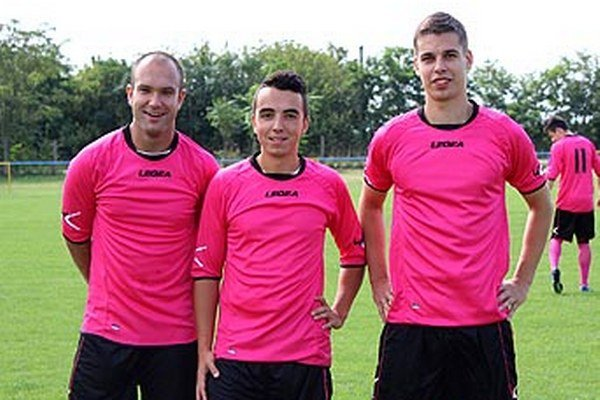 Vedenie FK Betonáris je mladé. Zľava Tomáš Čunčík, Oliver Vágó a Matej Szorád.