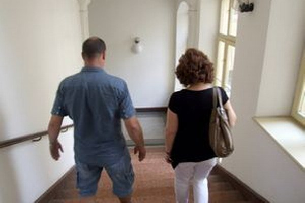 Na súd dnes prišla aj mama školáčky, ktorú mal kňaz obťažovať. K prípadu sa vyjadrovať nechcela.