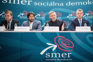 Donedávna boli Peter Žiga a Peter Pellegrini člnemi predsedníctva strany Smer spolu s Robertom Kaliňákom a šéfom Smeru Robertom Ficom.