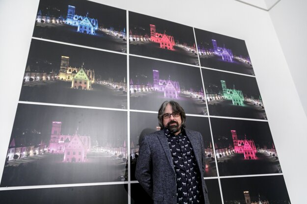 Fotograf, dokumentarista a autor výstavy Odvrátená strana Slovenska Tomáš Hulík.