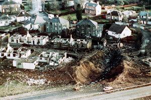 Miesto nehody civilného dopravného lietadla v britskom Lockerbie.