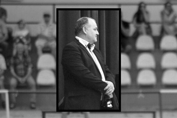 Milan Kollárik na archívnej snímke z novembra 2018, kedy dostal cenu pre najlepšieho rozhodcu ObFZ Nitra.