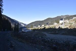 Proti masívnej výstavbe v Demänovskej doline podpisujú občania petíciu.