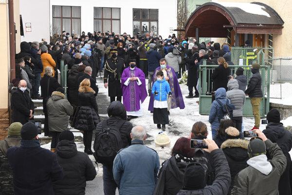 Pohreb bývalého policajného prezidenta Milana Lučanského sa konal v obci Štrba.
