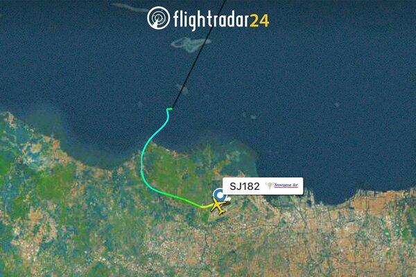 Lietadlo stratilo kontakt tesne po odlete.