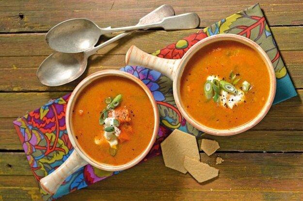 Korenená karí polievka zo sladkých zemiakov
