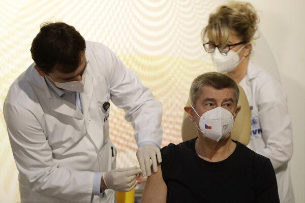 """Český premiér Andrej Babiš (ANO) označil dianie v Štátnom zdravotnom ústave za """"absolútne neprijateľné""""."""