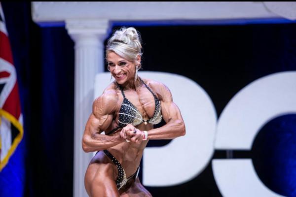 Monika Svobodová počas súťaže organizácie PCA.