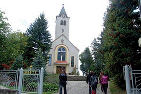 Kostol v Nevidzanoch.