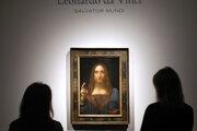 Obraz Leonarda da Vinciho Spasiteľ sveta (Salvator mundi) v aukčnej sieni Christie´s v Londýne.